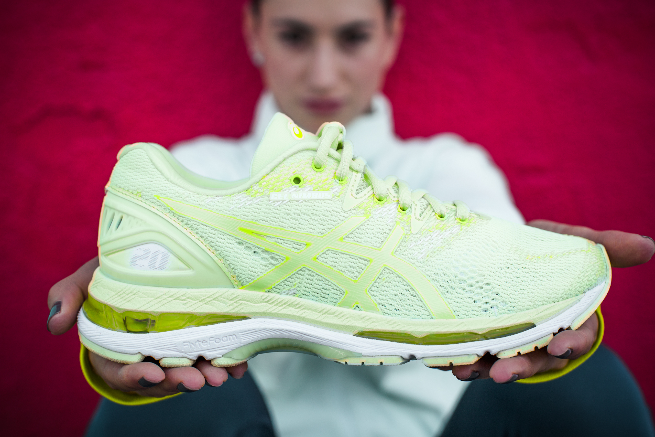 Escoba Marinero Especial  ASICS CELEBRATES THE 20TH ITERATION OF THE GEL-NIMBUS™ SERIES, ITS BEST  LONG-DISTANCE RUNNING SHOE THE RUN IS IN ALL OF US: THE NEW GEL-NIMBUS™ 20  | ASICS Global - The Official Corporate