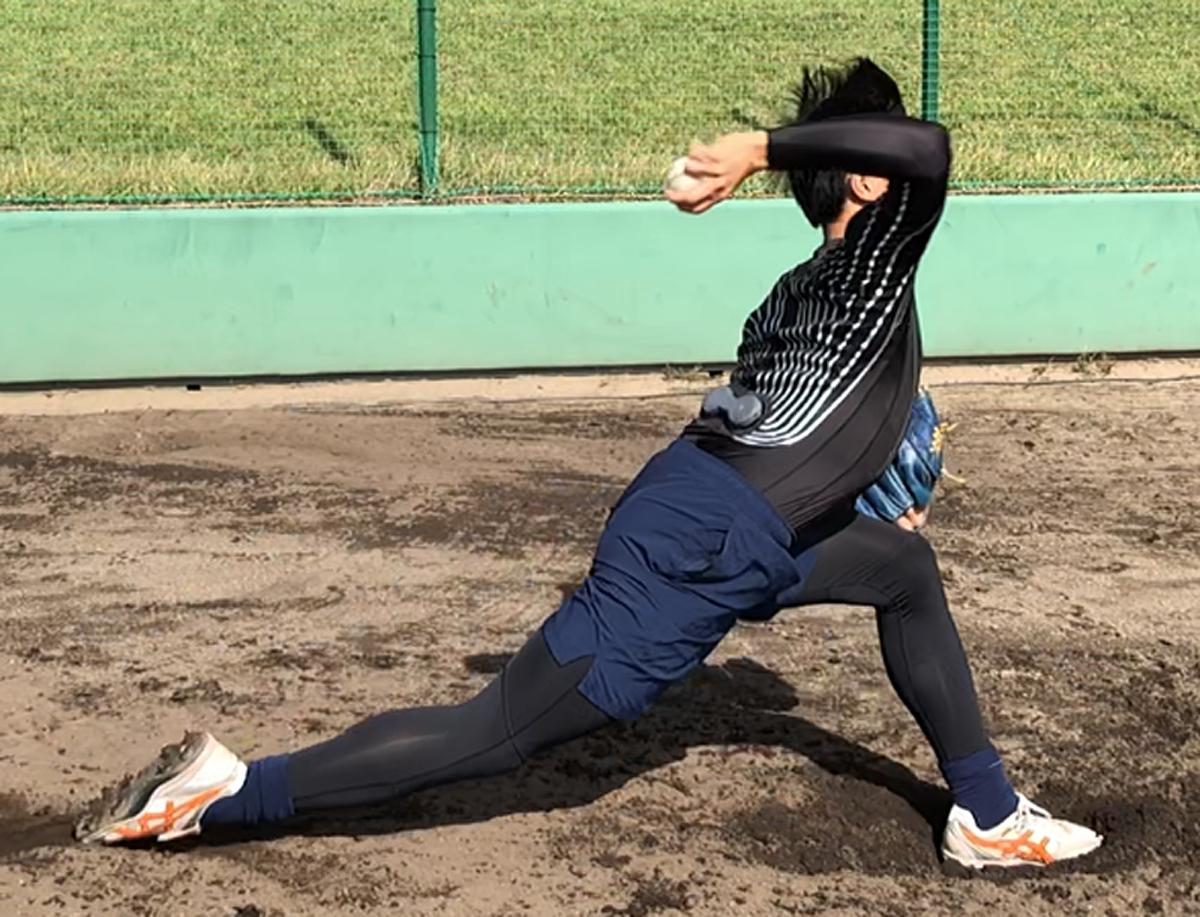 着て投げるだけで野球の投球フォームを評価! 「投球動作解析e-skin ...